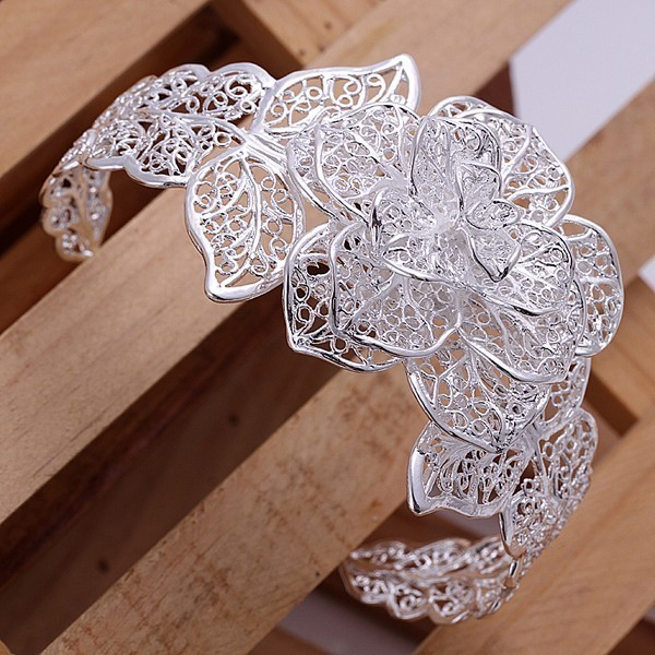 Beautiful Flower Bangle
