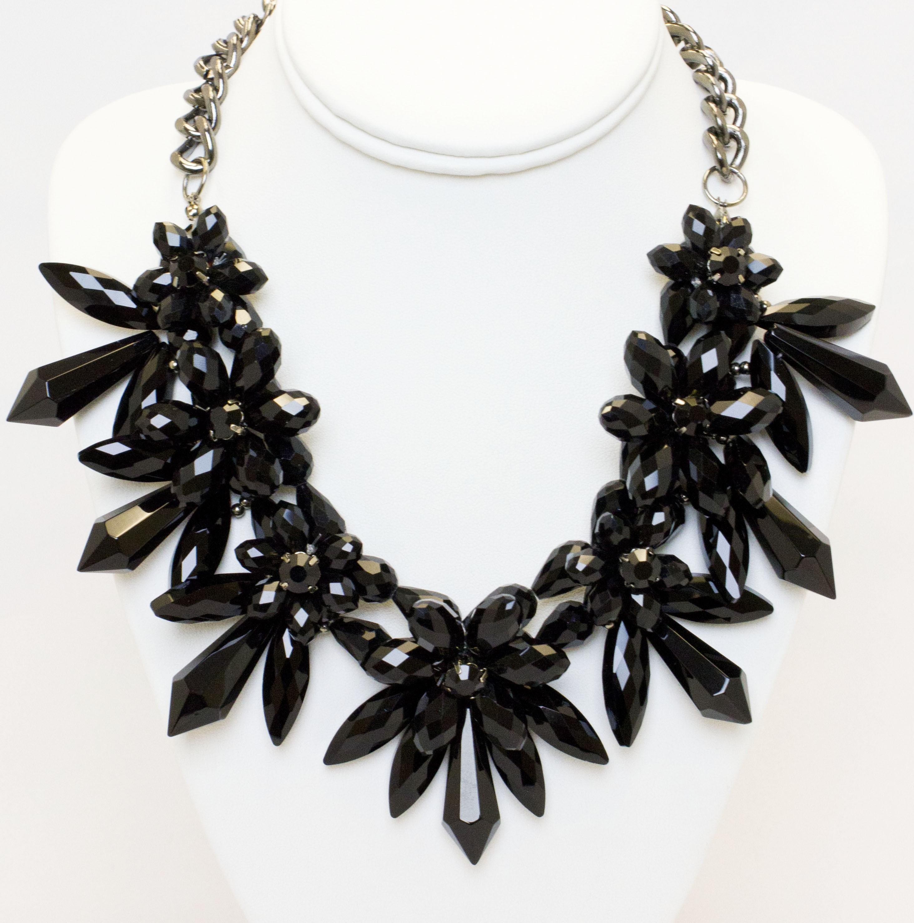 Drama Black Necklace