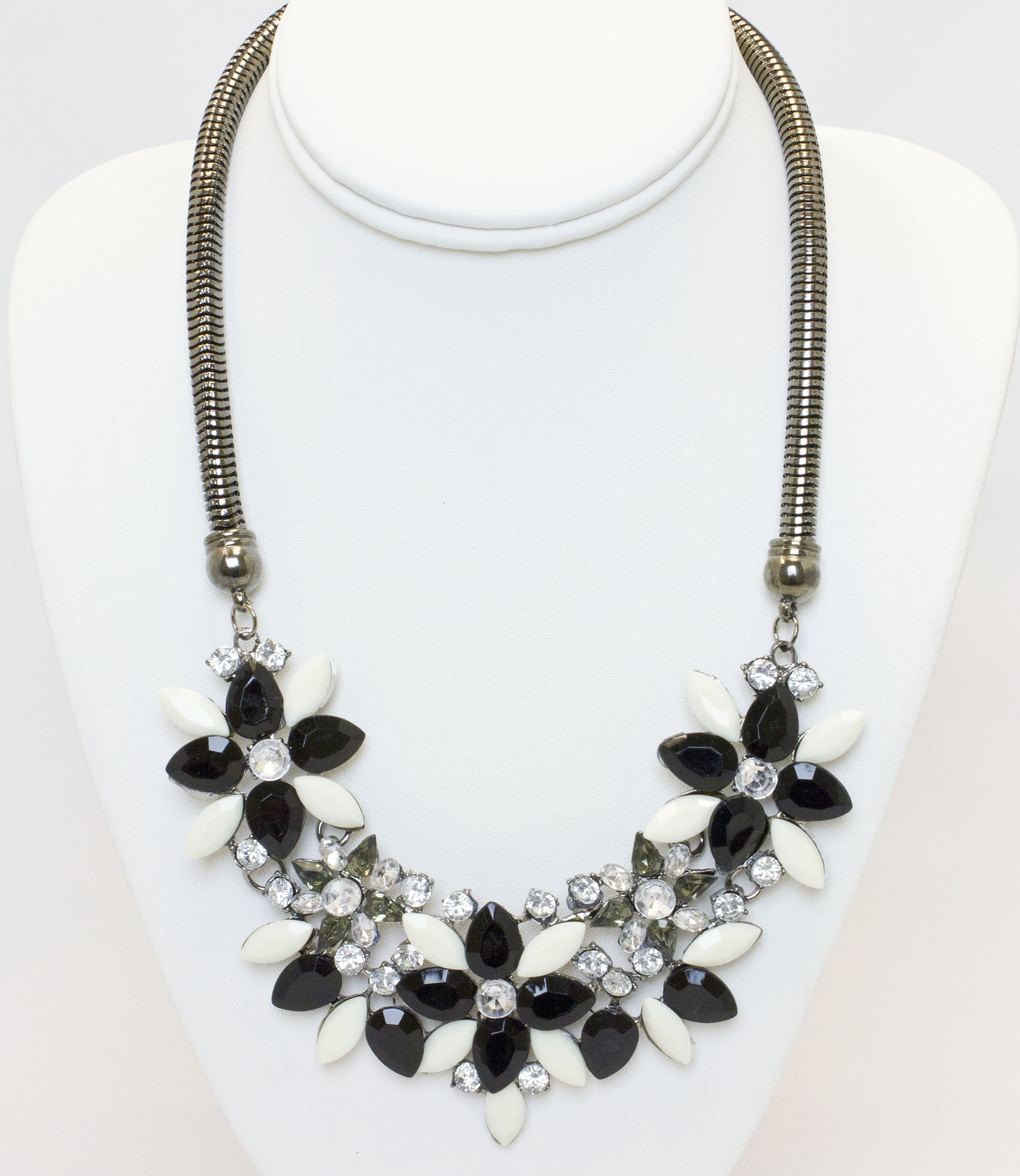 Black And White Bold Necklace